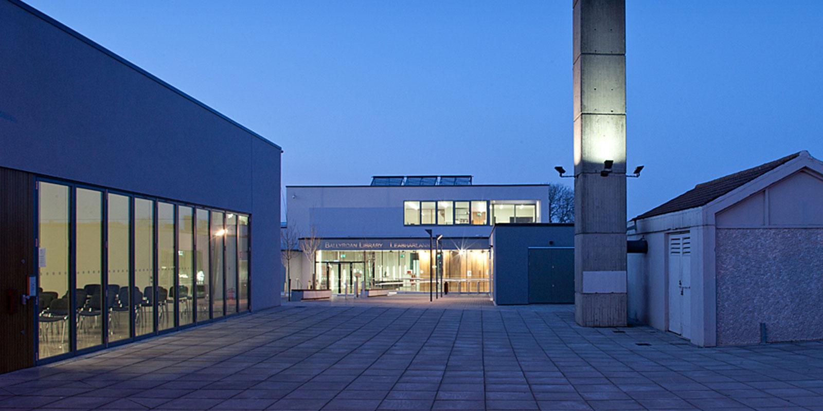 Ballyroan Library 10